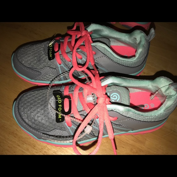 782cdd9acaeed4 Girls Champion C9 Premier 5 Sneakers Size 3